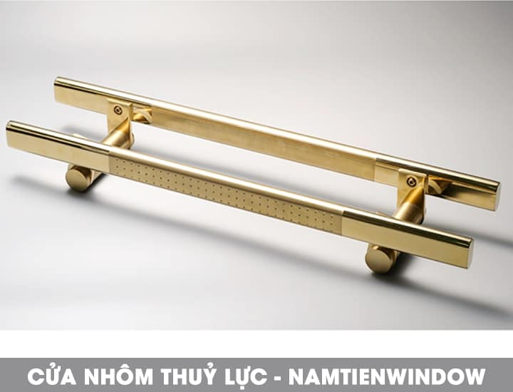 cua-nhom-thuy-luc