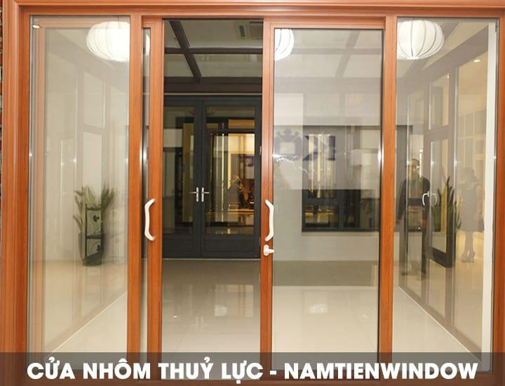 cua-nhom-thuy-luc-van-go-huong