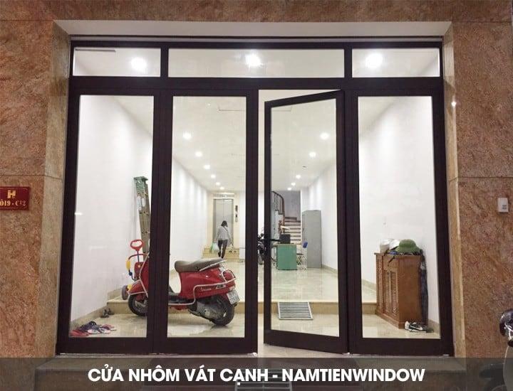cua-nhom-vat-canh-2