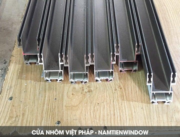 cua-nhom-viet-phap-17