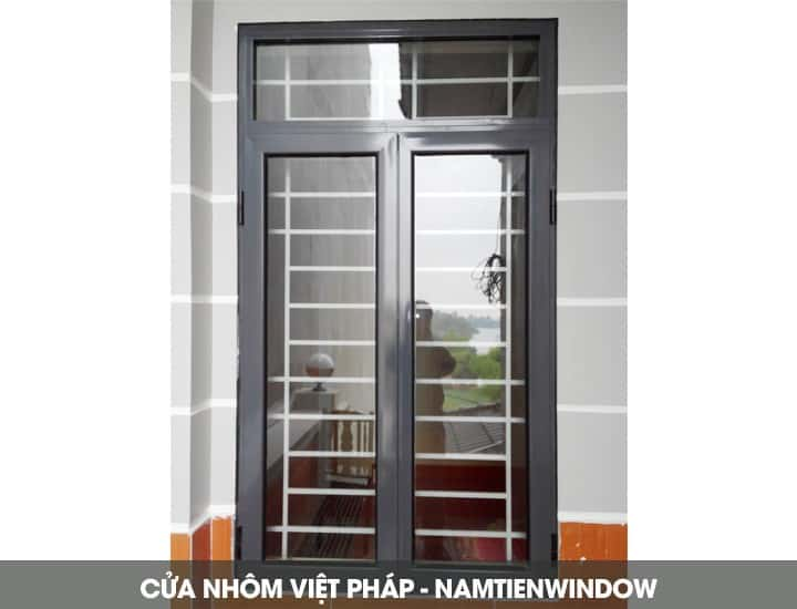 cua-nhom-viet-phap-4