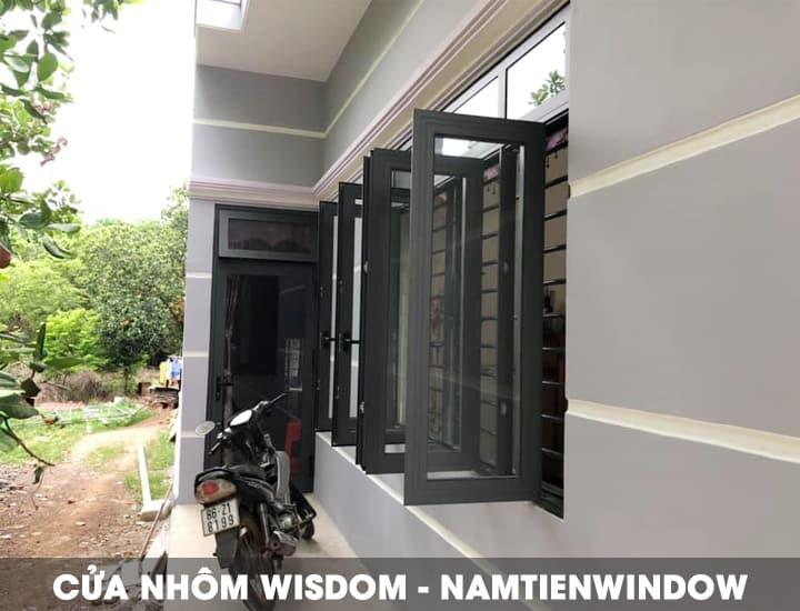 cua-nhom-wisdom-xam-ghi