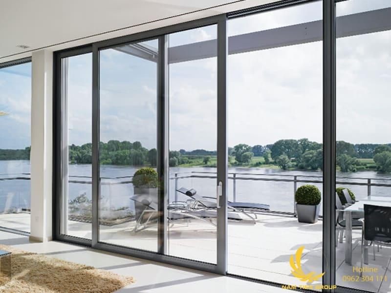Thi công cửa lùa nhôm xingfa kính cường lực nhà mẫu dự án Homes Bits | Nam Tiến Window
